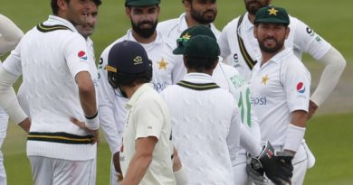 England-beat-Pakistan-in-first-Test