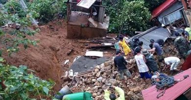 Landslides-kill-17-bury-60-under-rubble-in-south-India.