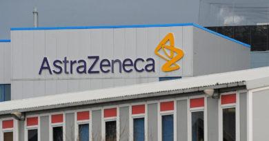 Oxford's coronavirus vaccine AstraZeneca trial resumes after UK green light
